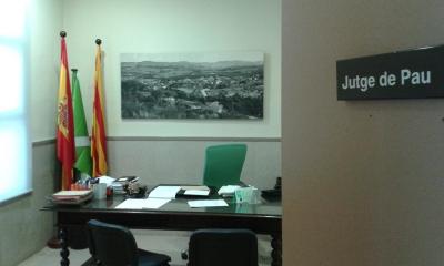 Sala interior del Jutjat de pau