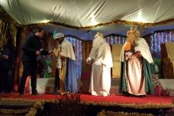 Melcior, Gaspar i Baltasar rebent la clau per part de l'alcalde
